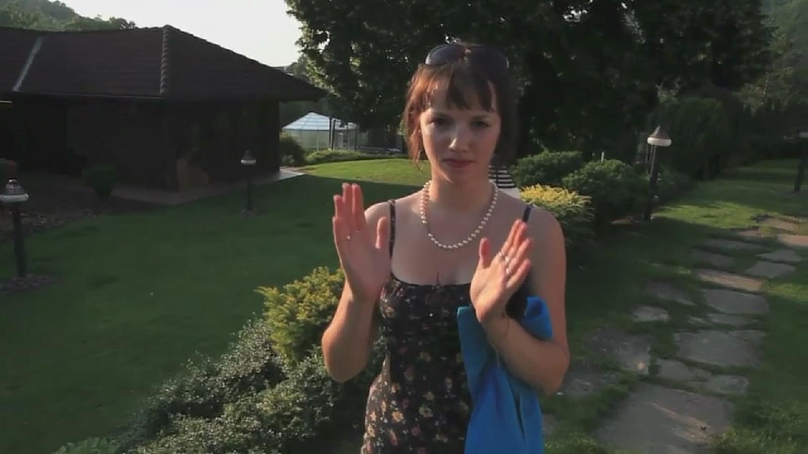 Tereza Nvotová - Režisérka filmu Mečiar Tereza Nvotová (foto z filmu) debutovala v roku 2008 dokumentom Ježiš je normálny! a v júni 2017 do kín vstúpil jej hraný debut, divácky i festivalovo úspešný film Špina.
