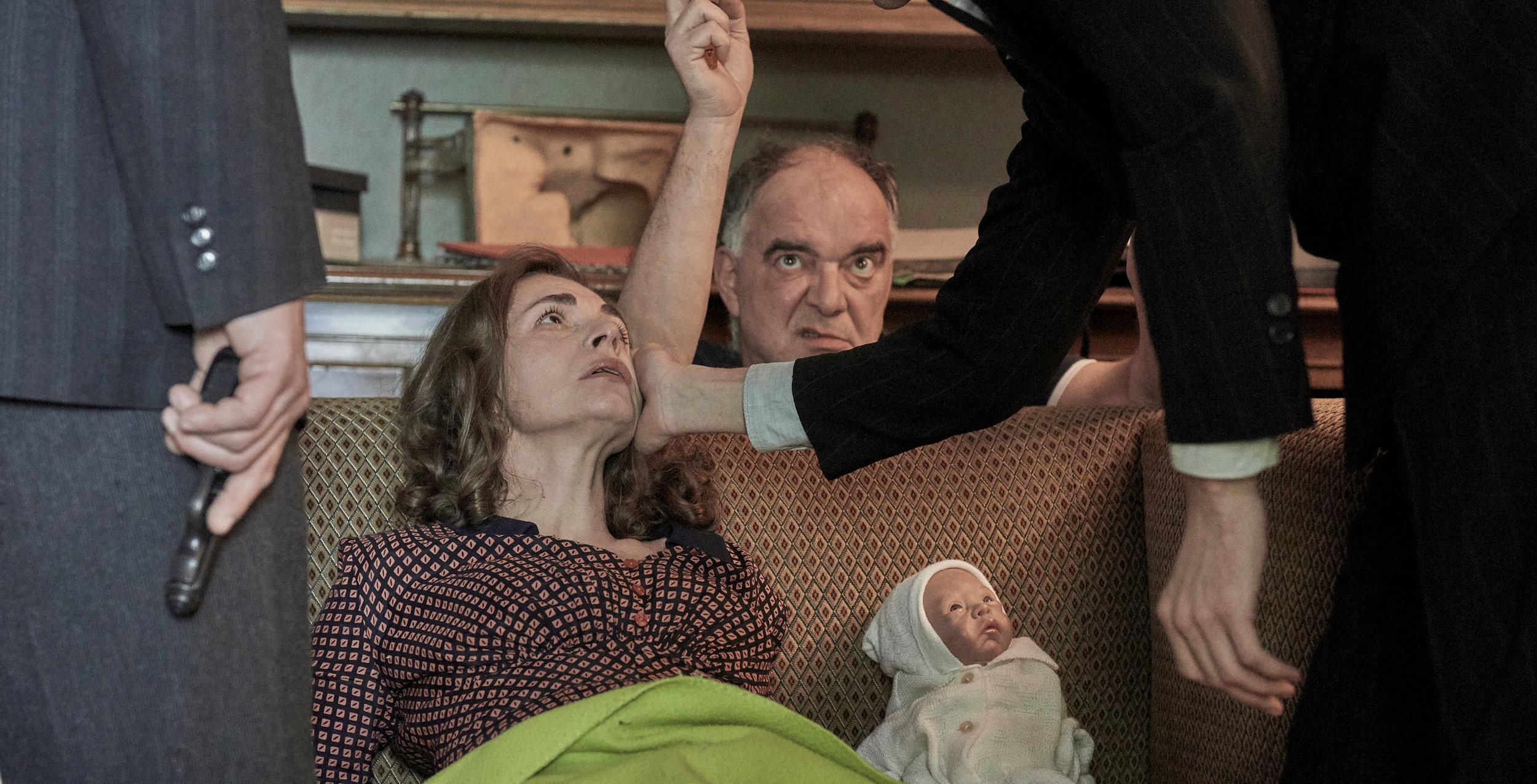 Ondřej Trojan - Známy český režisér a producent, na fotografii z nakrúcania filmu Toman s Kateřinou Winterovou (autor foto: Martin Špelda). K jeho najúspešnejším filmom patrí film Želary (2003), nominovaný na Oscara za najlepší cudzojazyčný film.So spoločnosťou PubRes spolupracoval na divácky úspešnom filme Občiansky preukaz (2010).