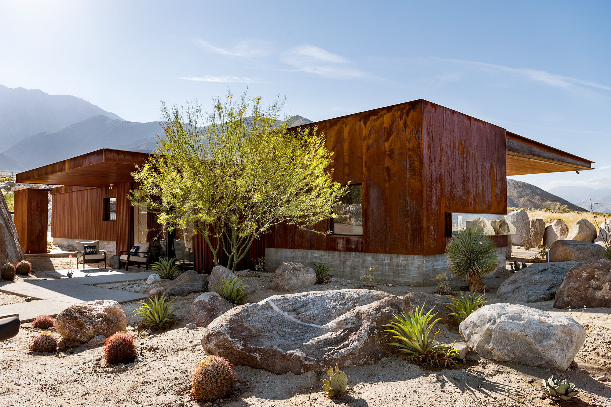 Desert Palisades Guardhouse | Palm Springs, CA