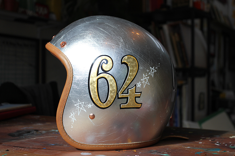 helmet-gold-leaf-gild-24crt-engine-turning-motorbike.jpg