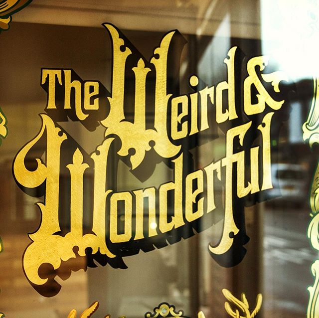 An elaborate gold leaf panel for @theweirdandwonderful produced in 2015. All designed by hand and gilded using a variety of gold leaf techniques and carats, pearl inlays and many other bells and whistles.