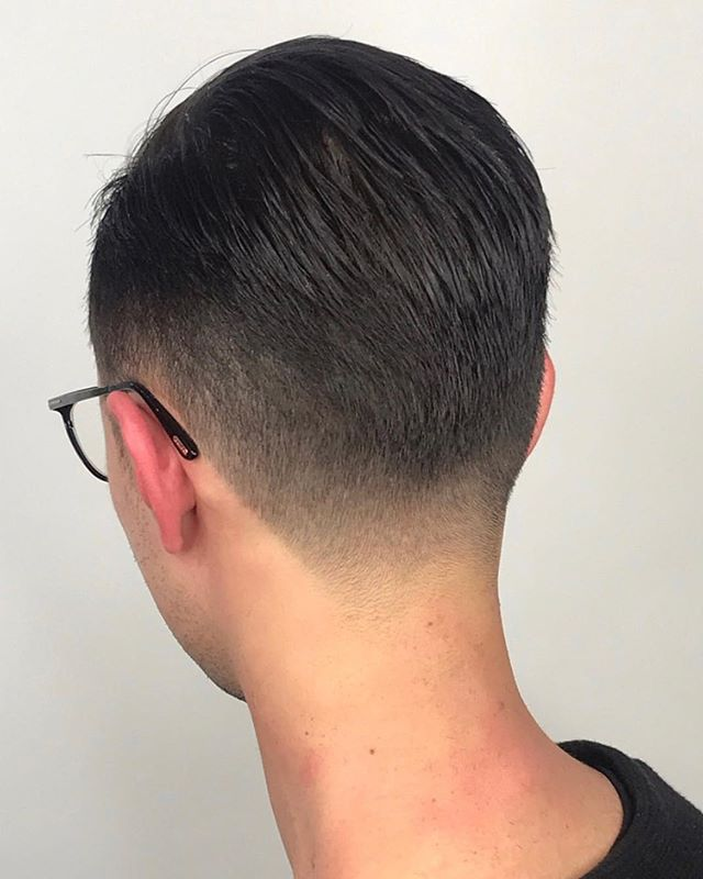 Confidence is sexy, but so is a fresh haircut 🙌 Hair cut by barber & stylist @ivinitagheorghe . . . #portlandbarber #girlbarber #portlandhairstylist #barber #kevinmurphyhair