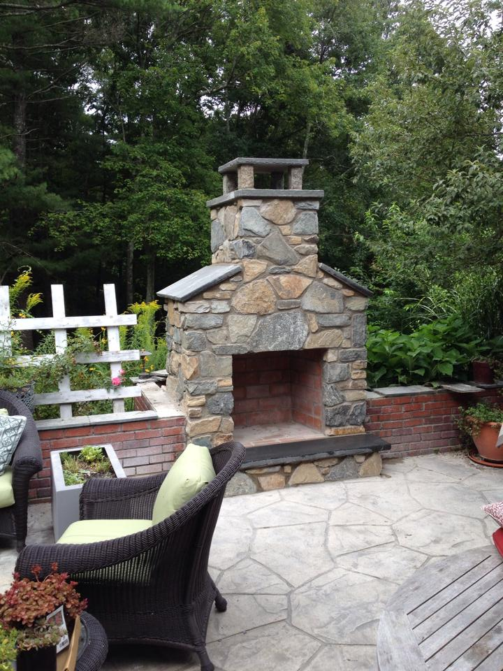 Outdoor Fireplace/Chimney