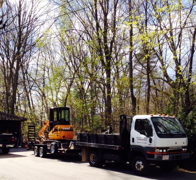 Dump Truck & Excavator