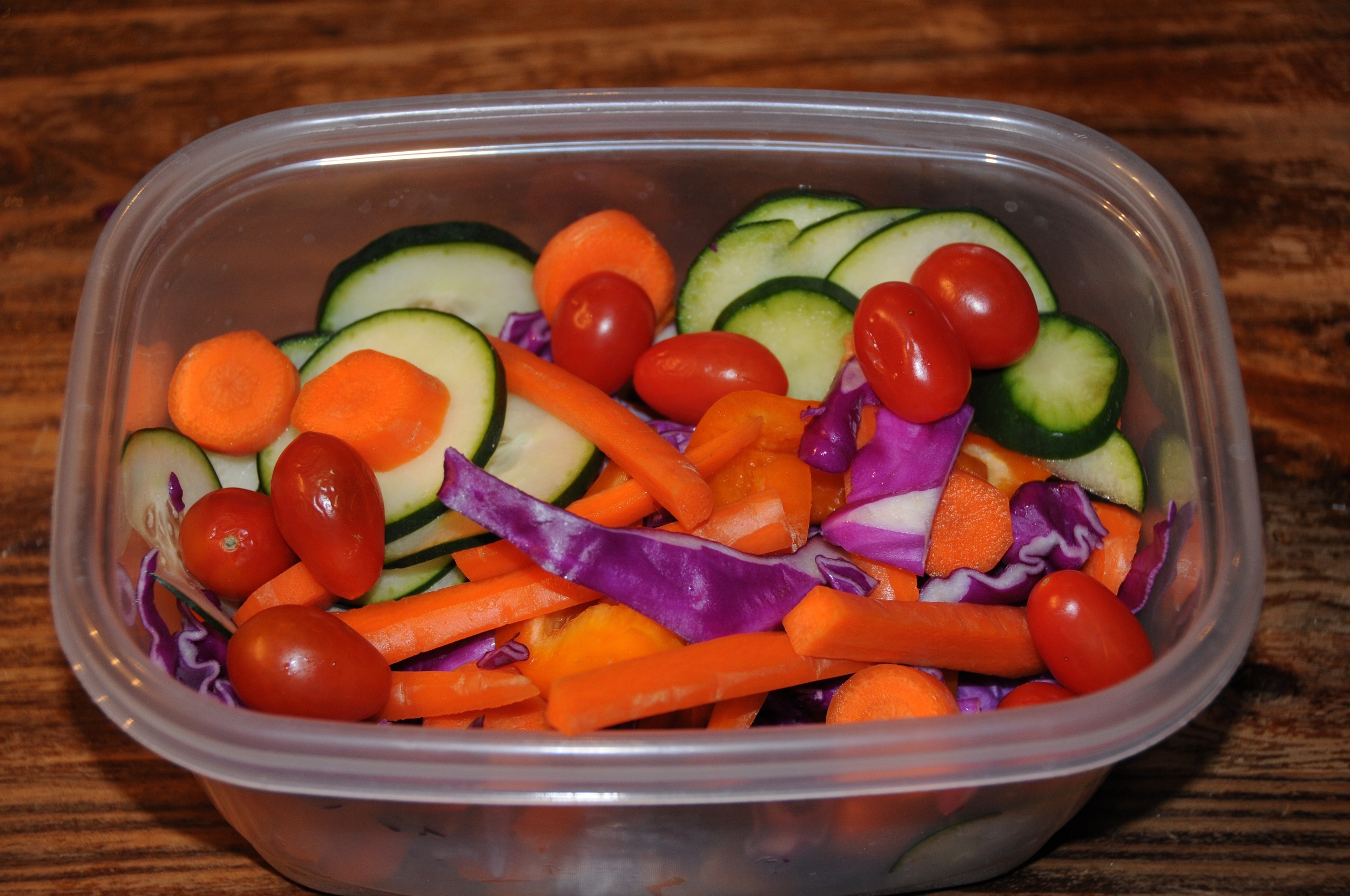 Throw your veggies into a tupperware and into the fridge