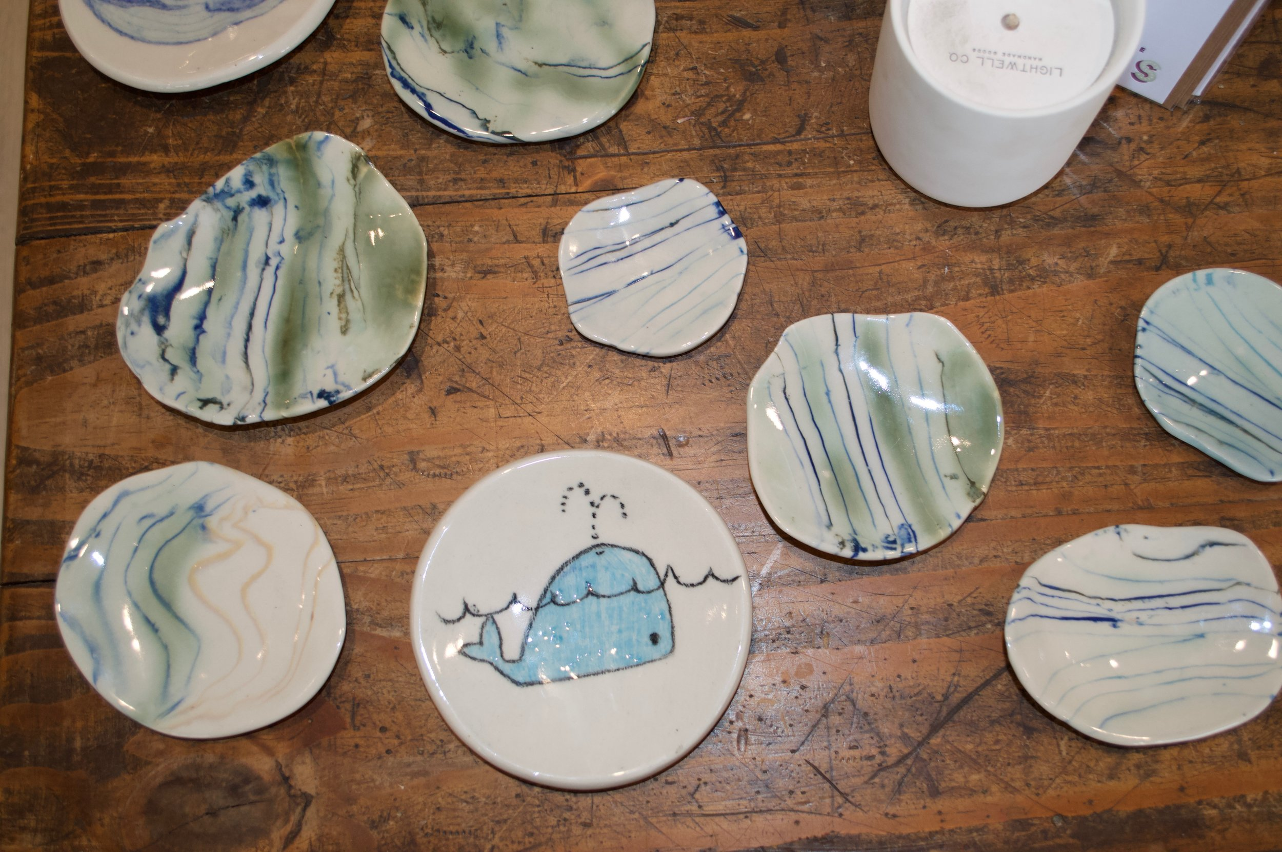From  Tara Ceramics , we have Santa Barbara made ceramics, like these cute and stylish plates!