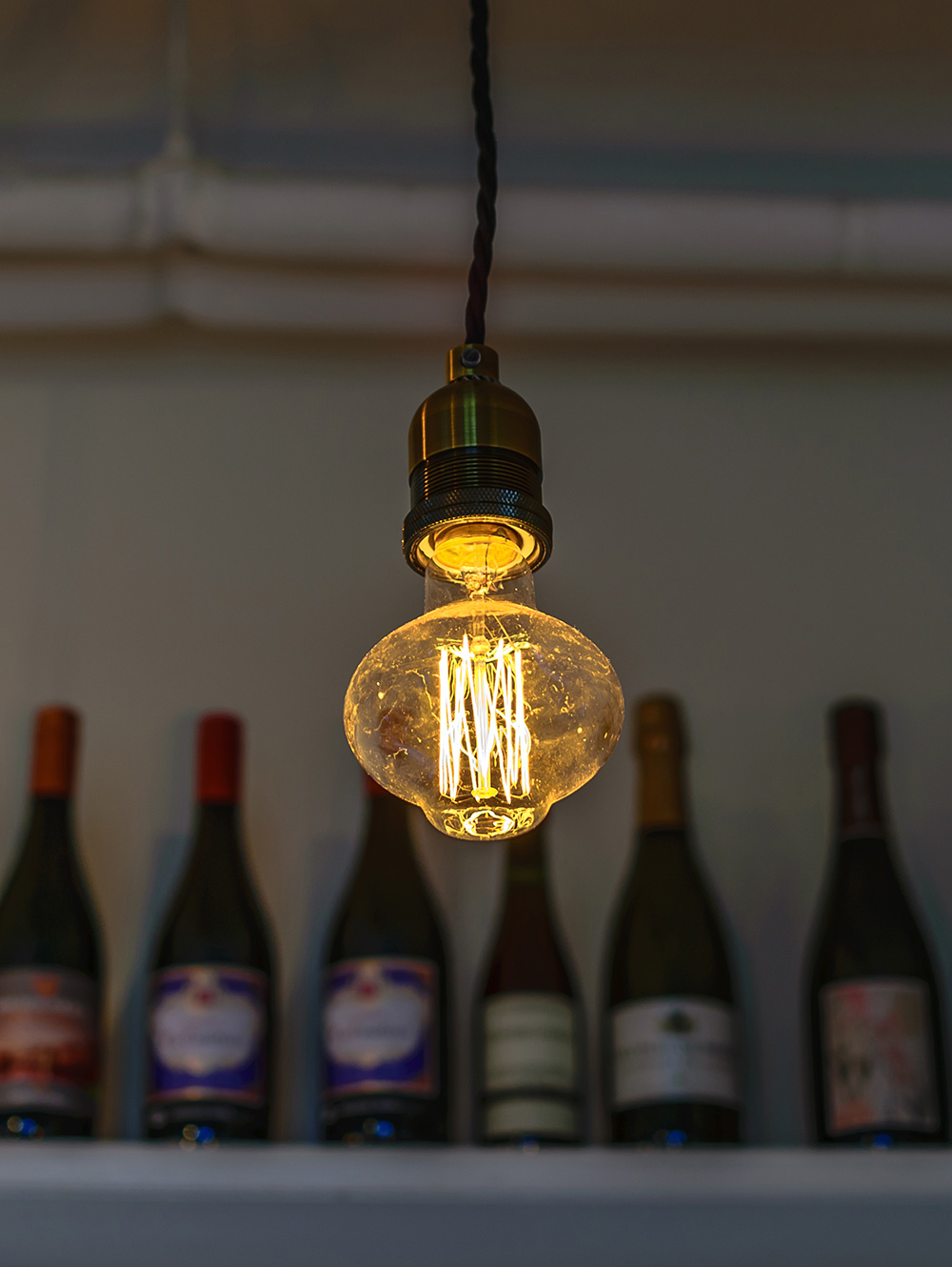 "Authentic Pendant with Carbon Filament Bulb ""Humphry"""