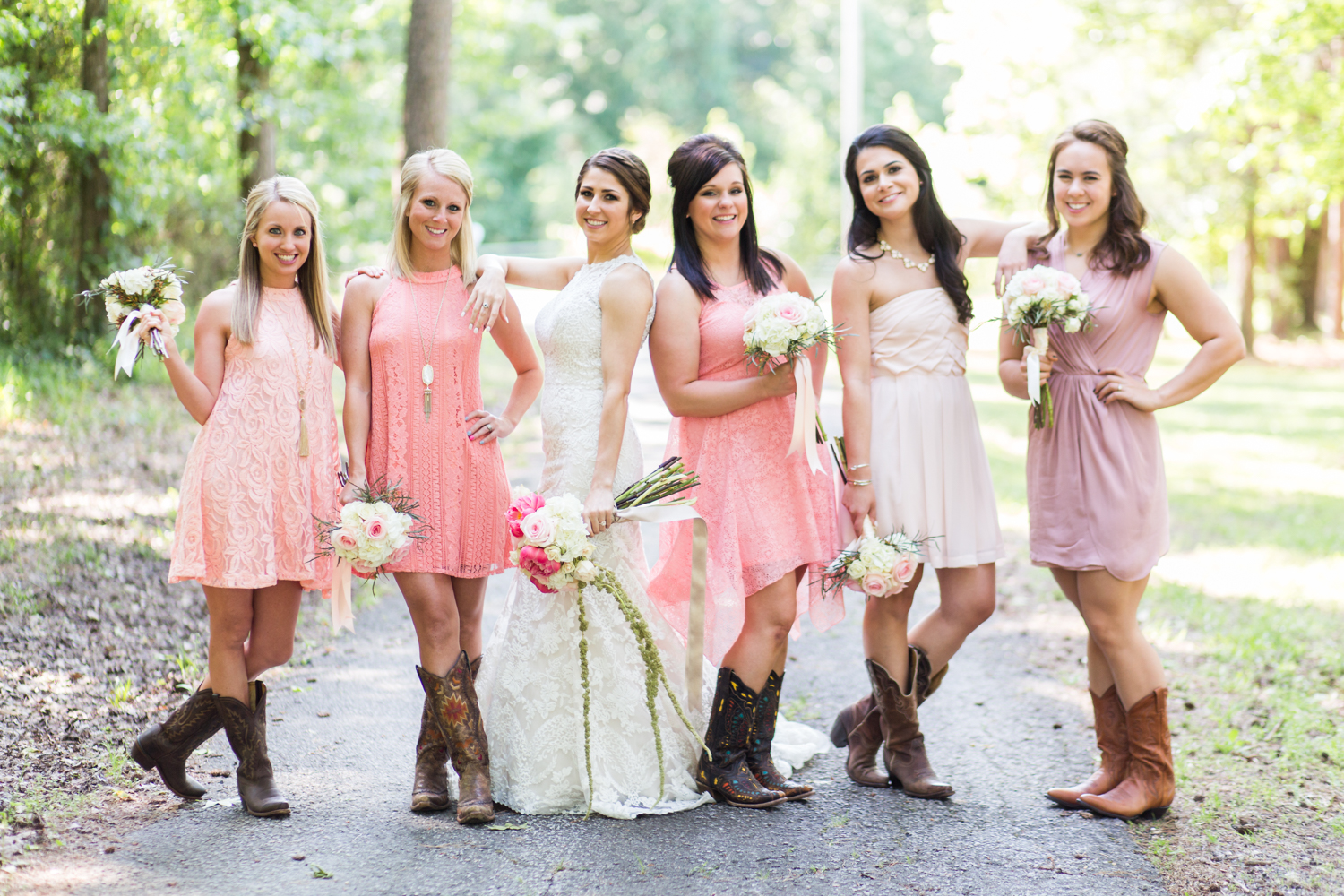 oklahoma wedding photographer pasture at willows ranch broken bow bridesmaids pink peach peonies