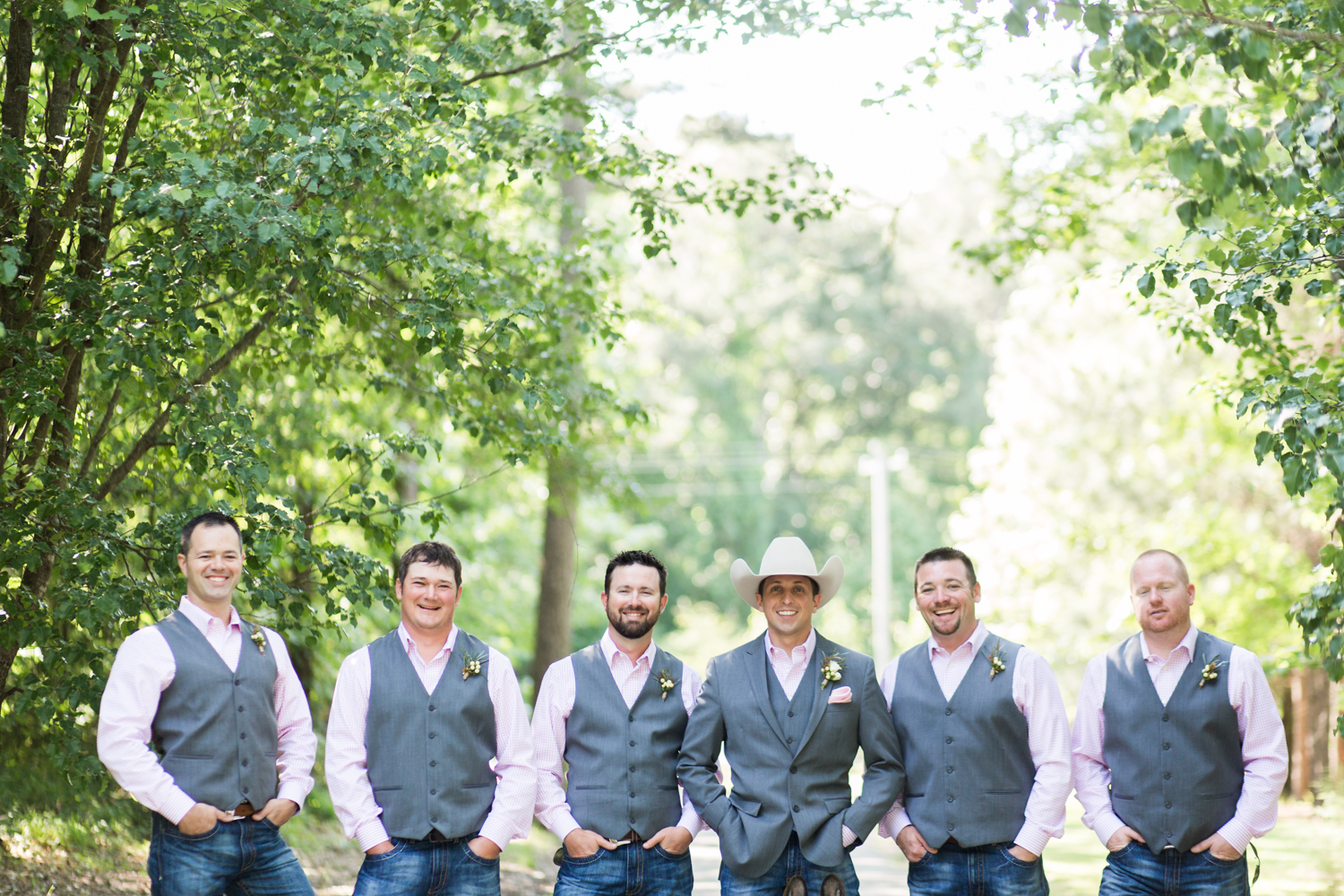 oklahoma wedding photographer pasture at willows ranch broken bow groomsmen german shepard