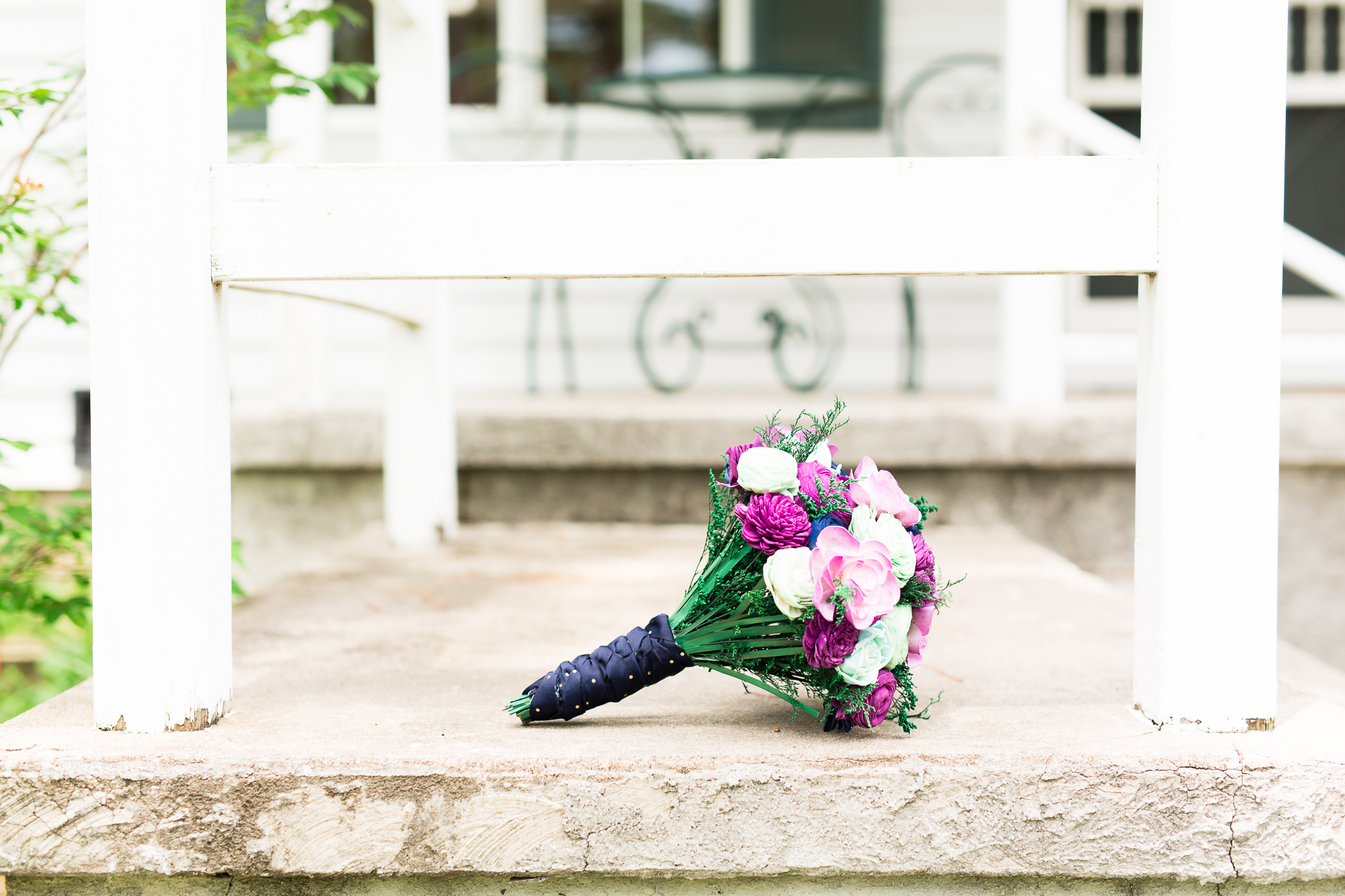eureka springs wedding photographer thorncrown chapel wooden floral bouquet