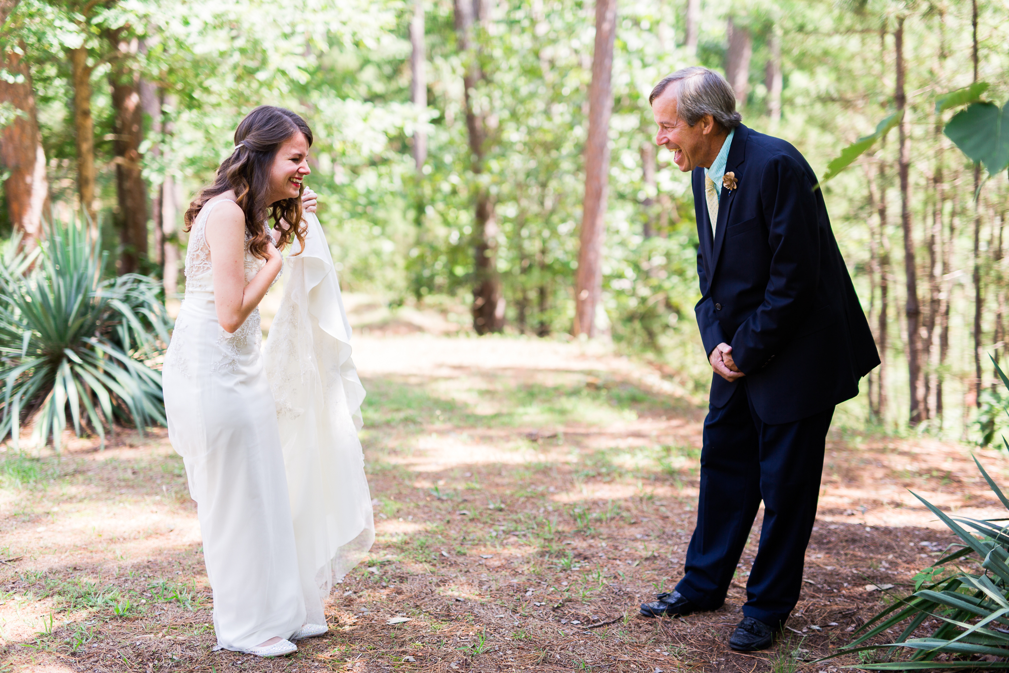 eureka springs wedding photographer thorncrown chapel daddy daughter first look