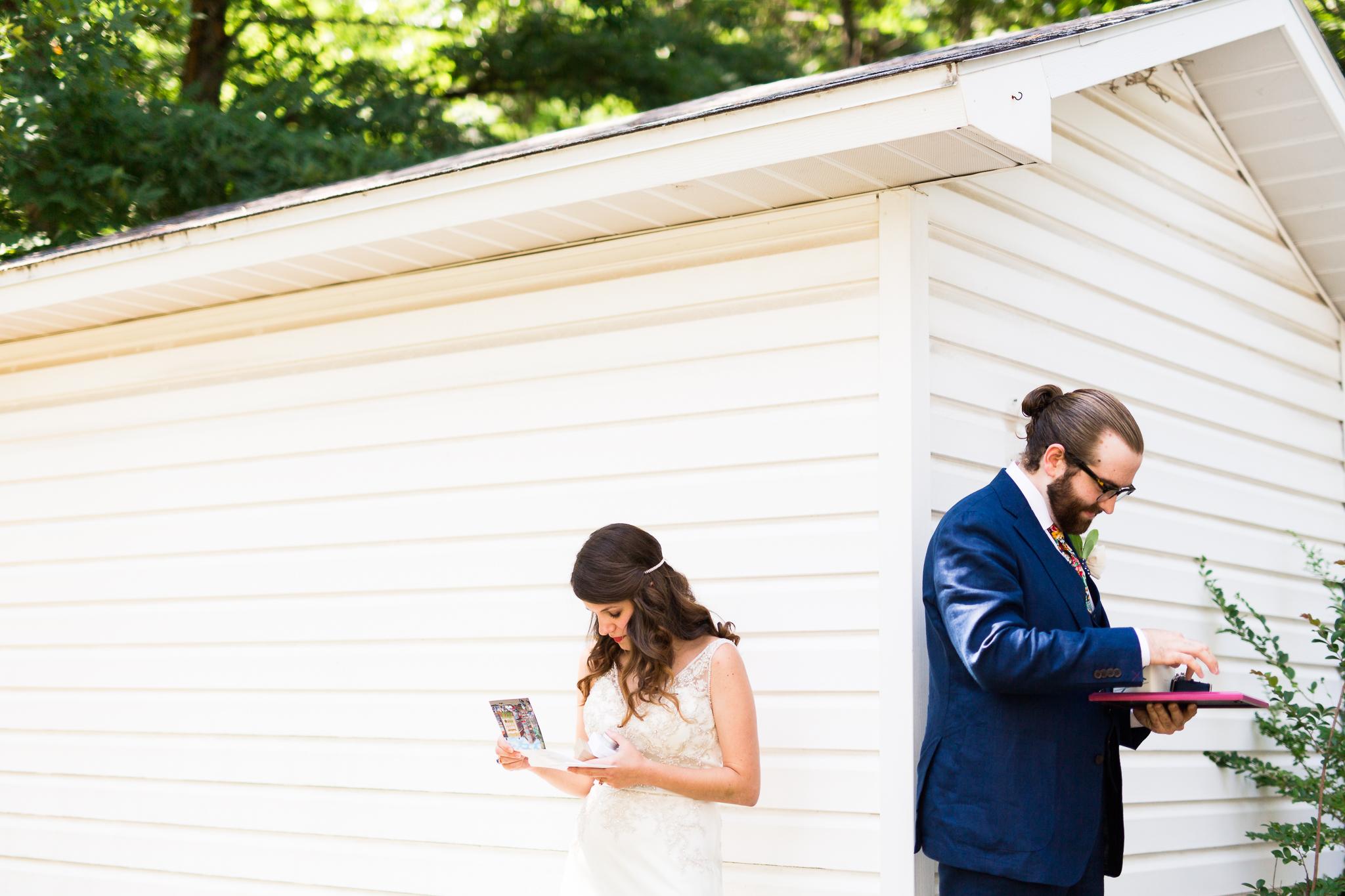 eureka springs wedding photographer thorncrown chapel gift exchange