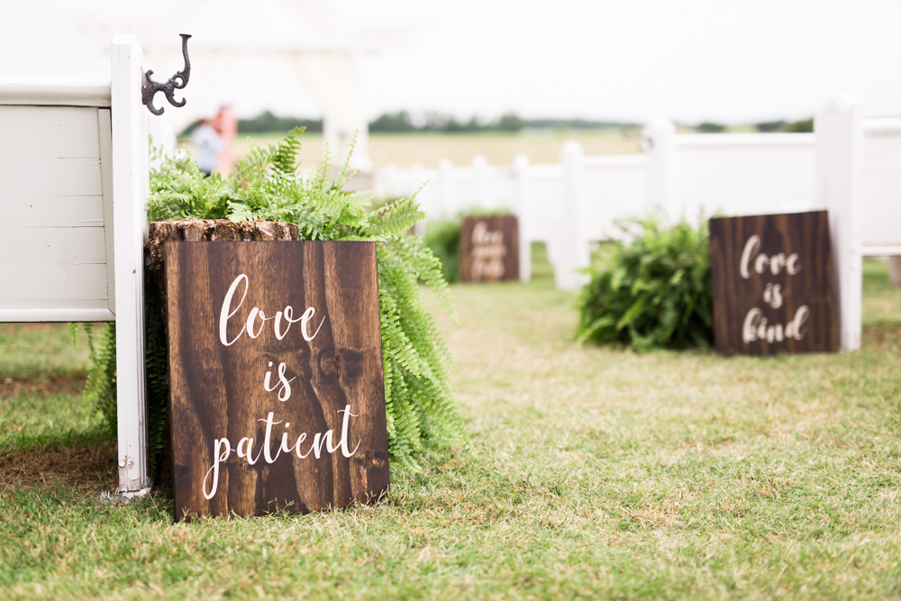 oklahoma wedding photographer norman wedding photographer the manor at coffee creek wedding okc wedding photographer wooden signs