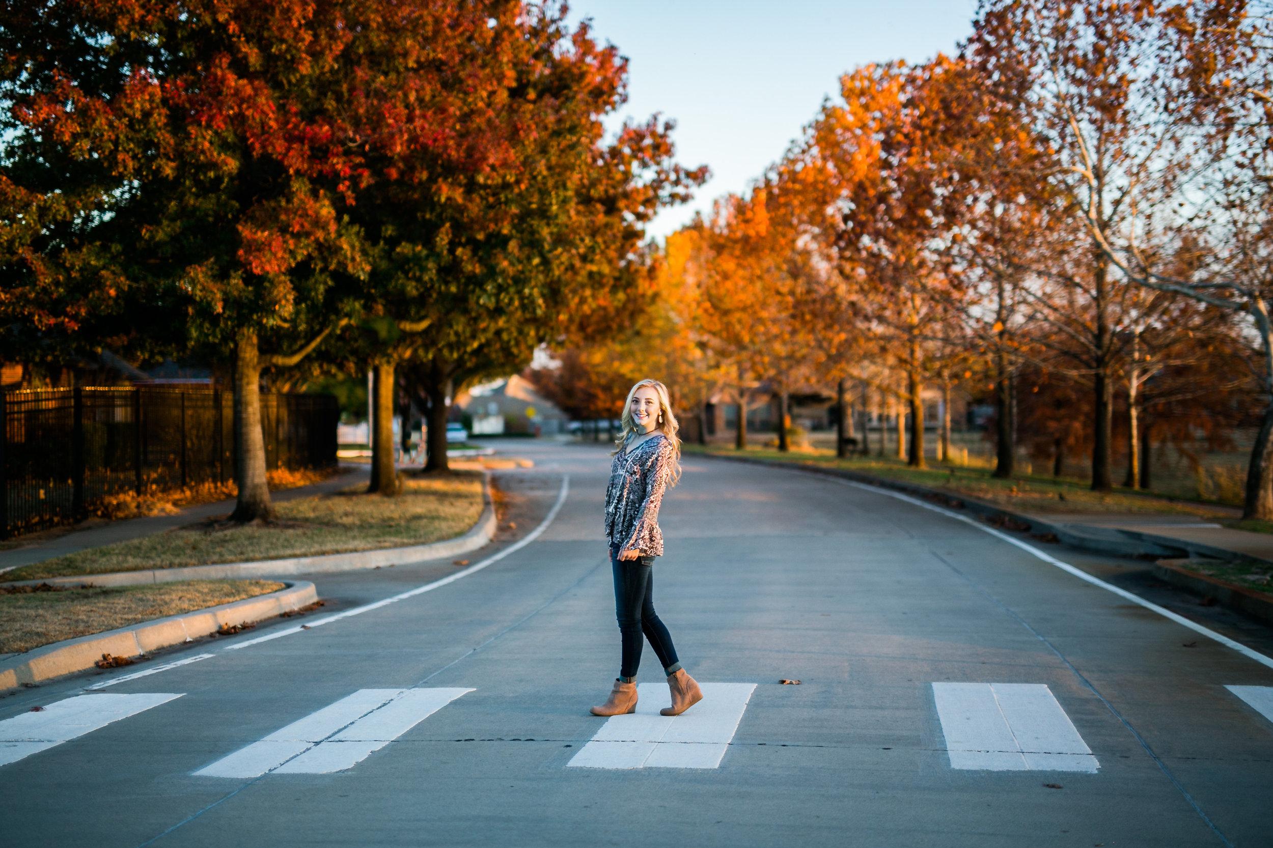 oklahoma senior photographer norman washington high school crosswalk fall foliage leaves