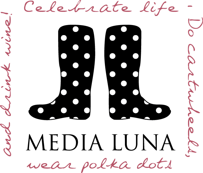 MEDIA LUNA BOTAS_logo.jpg
