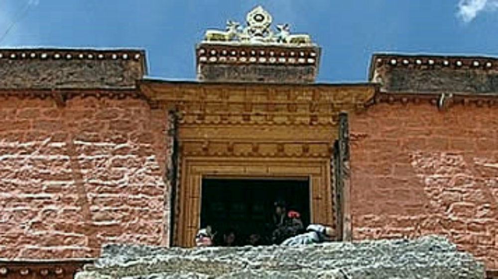 Drirapuk Monastery on Kailash Circuit