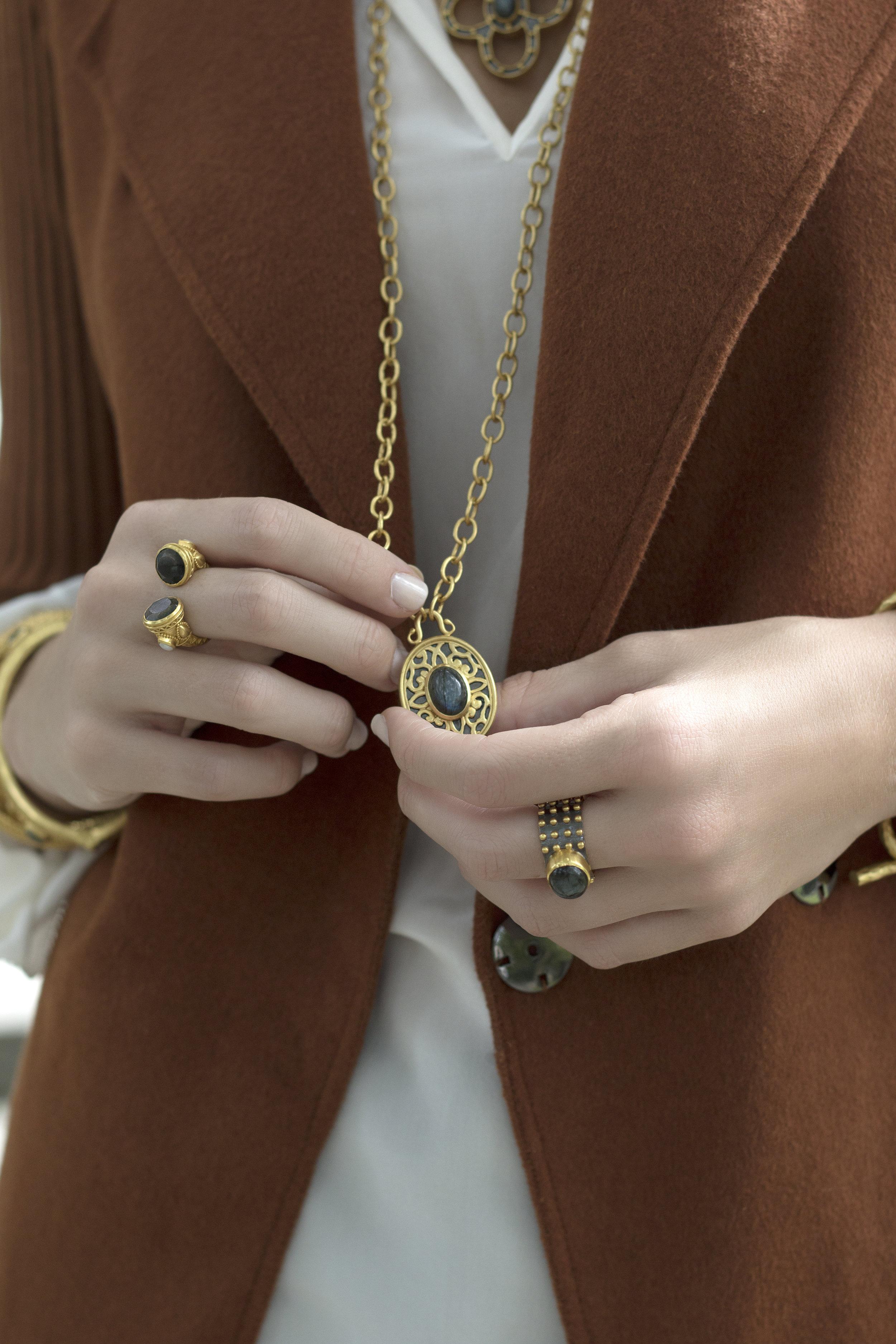 Freelance Jewelry Photographer.jpg