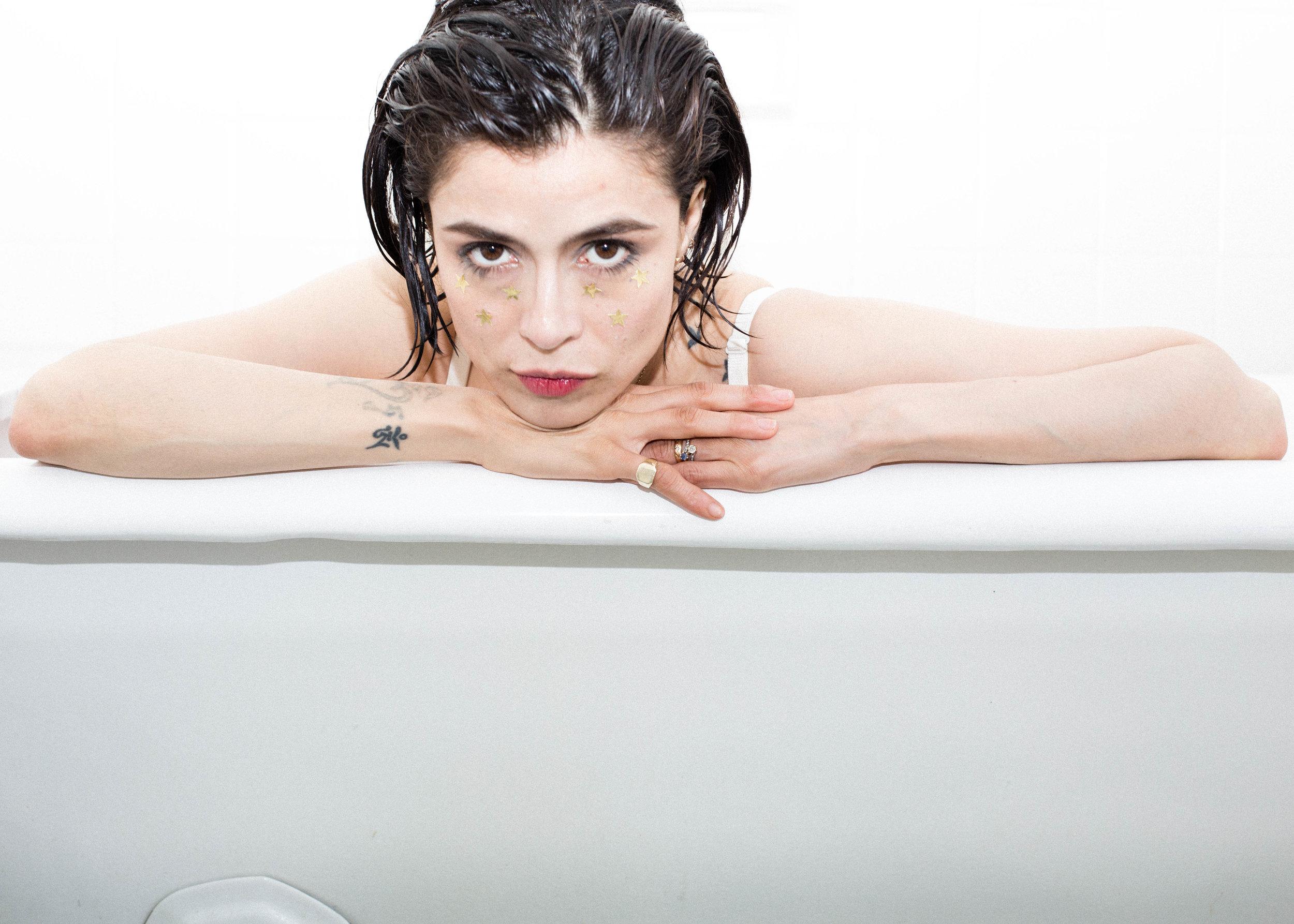 Sosa_Maguis-bathtub4.jpg
