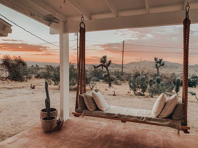 Last night's stunner sunset from #casajoshuatree ✨🧡🔥 nothing like a summer sunset 🌅 @airbnb