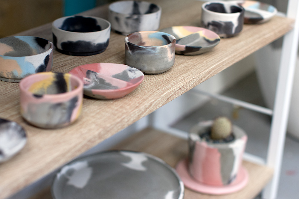 Small marbled vessels, planters and plates. Photo by Susan Fitzgerald.
