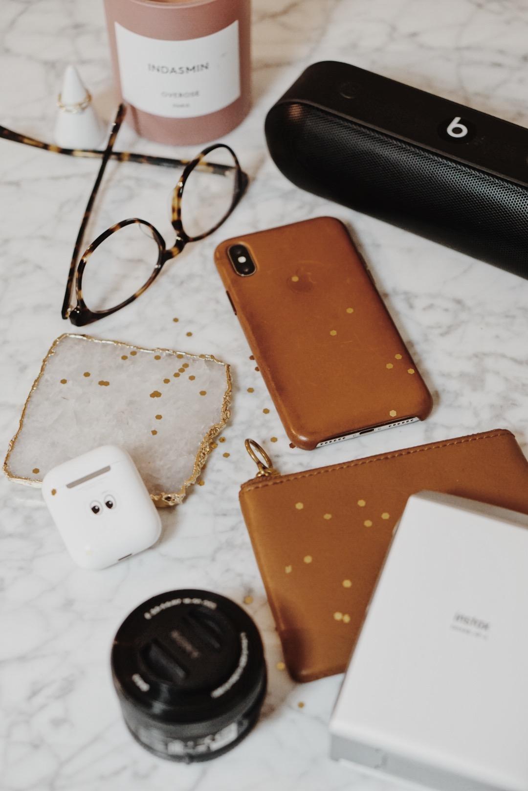 Gift Guide Tech Lover: Apple, Fujifilm, Beats, Sony