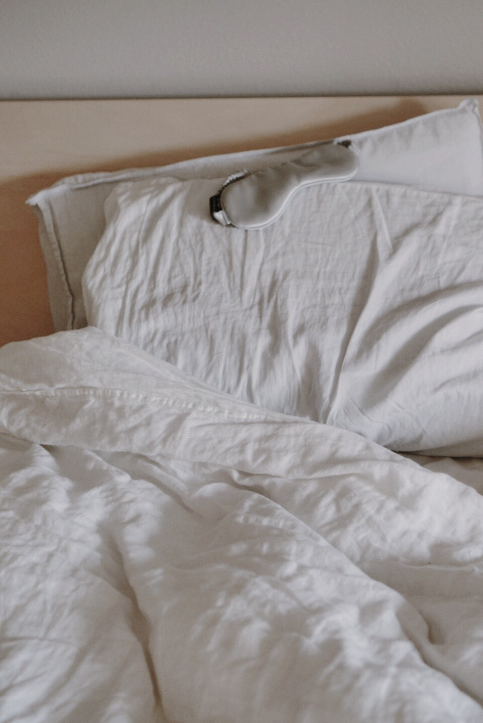 Silvon Home - Antimicrobial Pillow for Acne