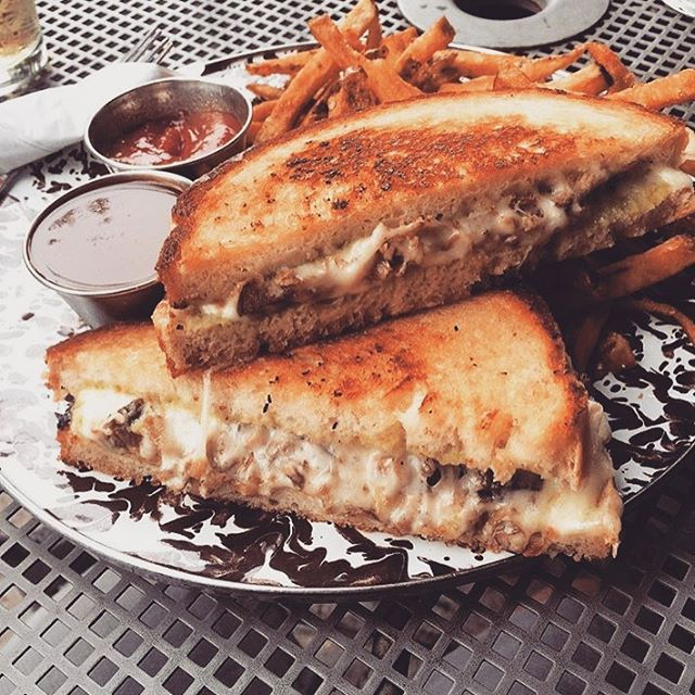 Today certainly feels like a duck grill cheese and Goose IPA kind of day. #feedthehunger #goose #gooseipa #grilledcheese #duck #happyhour