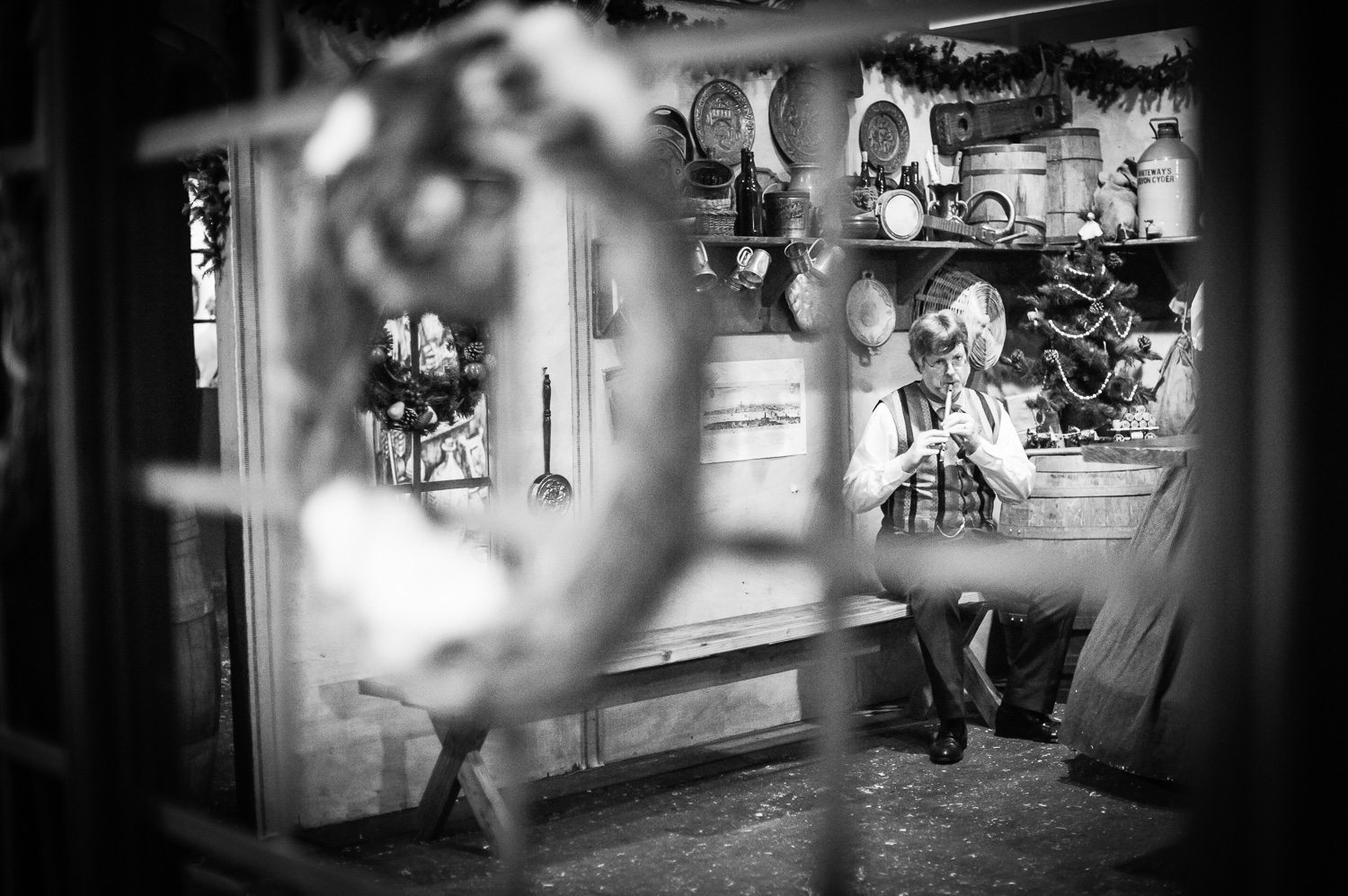 Musician // The Great Christmas Dickens Fair // Ashley Petersen Photo