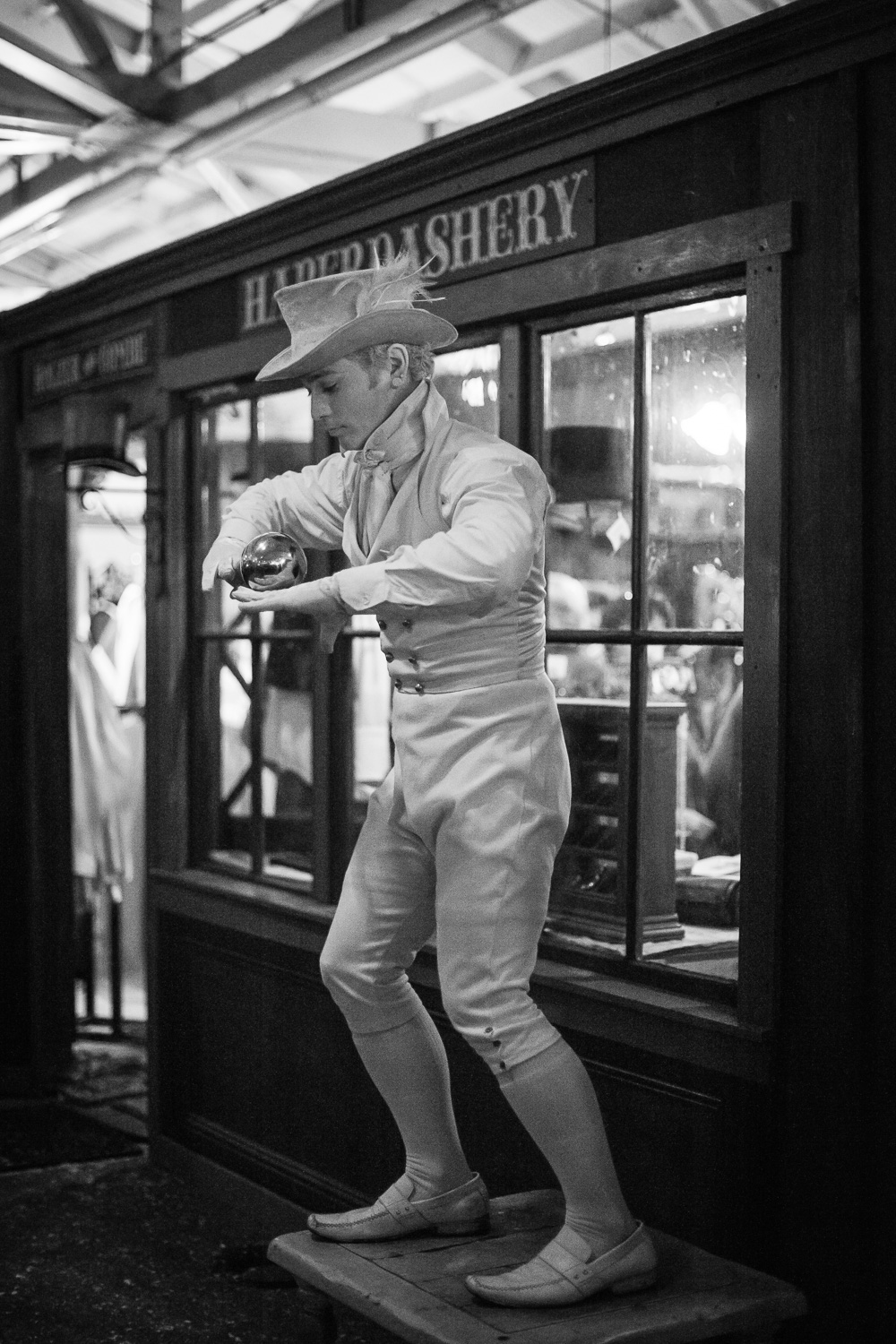 Performer // The Great Christmas Dickens Fair // Ashley Petersen Photo
