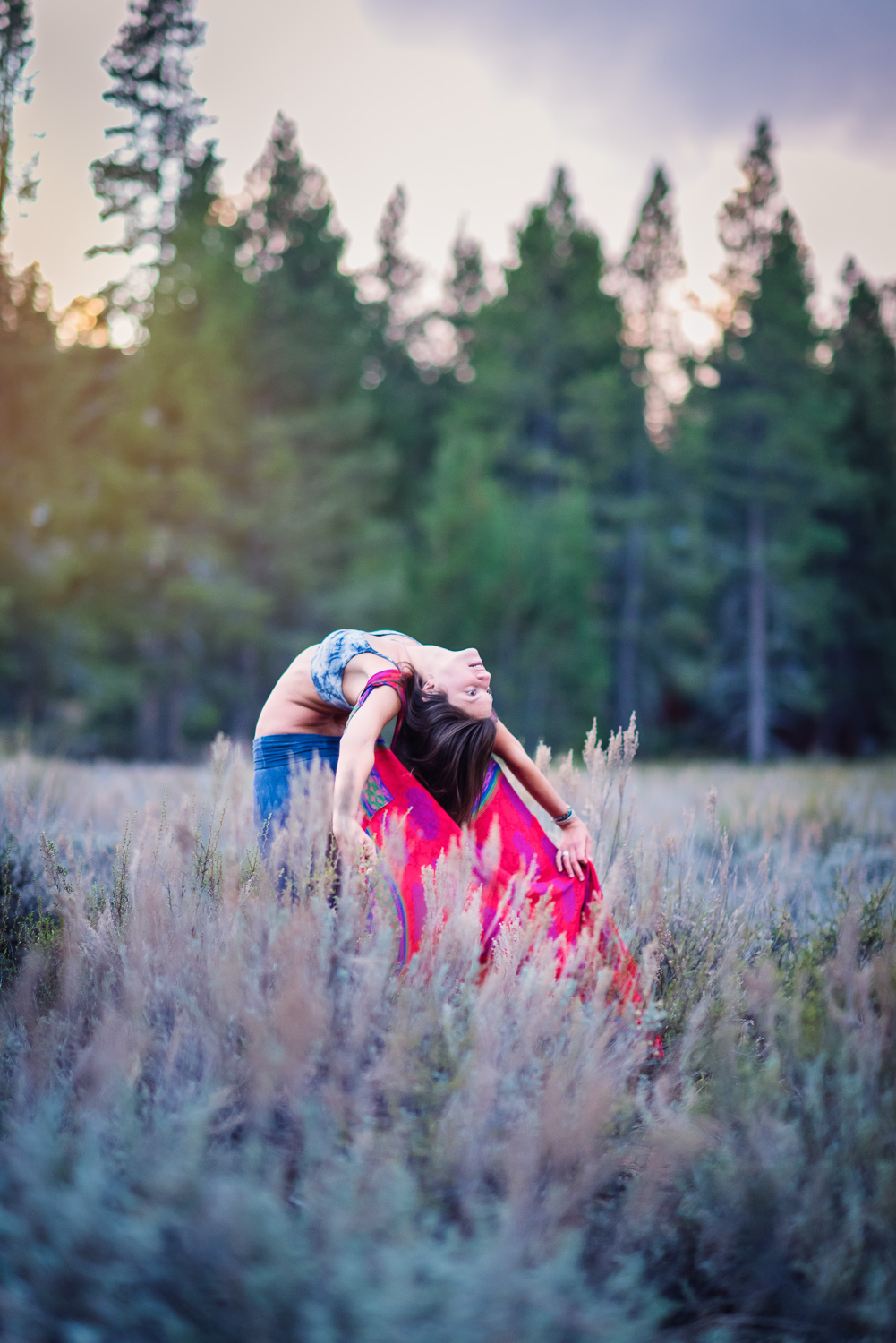 Dancing in a meadow // Ashley Petersen Photo