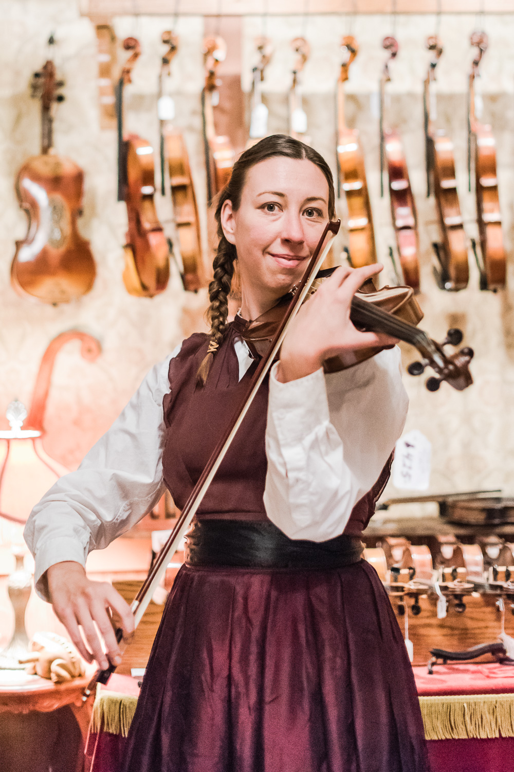 Violinist at Dickens Fair // Ashley Petersen Photo