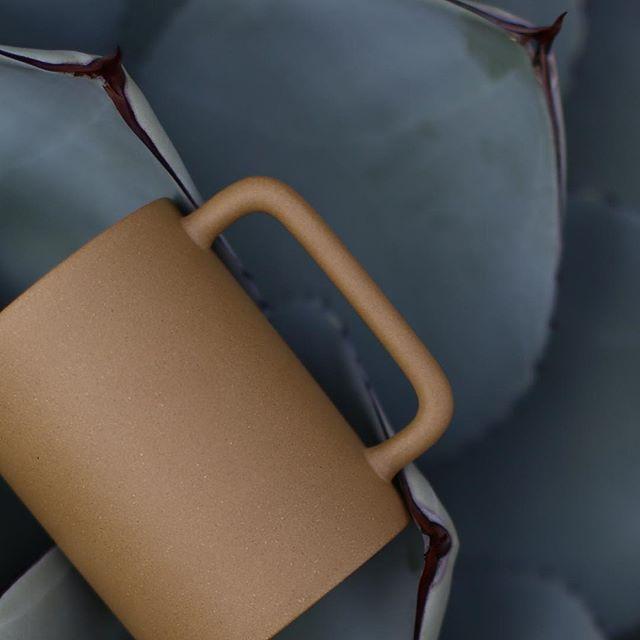 Tranquility 〰〰 #GEO cup in #gold . . . . #simple #summer #tableware #ceramics #stoneware #teaware #homegoods #minimal #contemporary #design #fusion #craftsmanship #chinese #eastern #western #california #losangeles #wallpapermagazine #studio #luxury #artisan #handmade