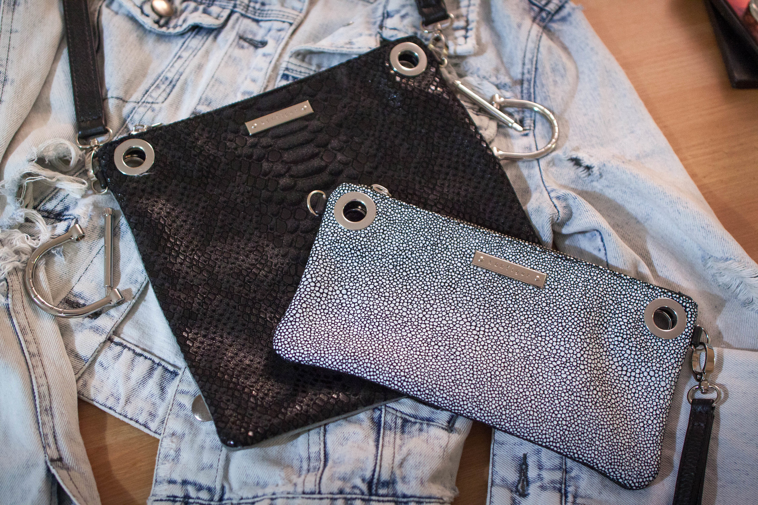 I love using this bag in this contrasting style as the smaller white pebble print clutch stands out so well against the black alligator print.