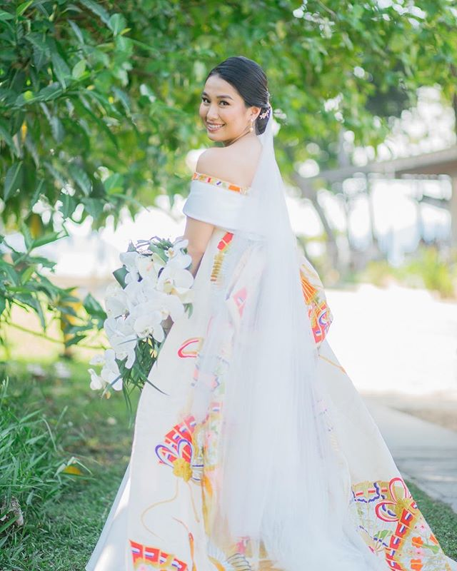 Merging cultures. ✨ This lovely lady asked us to incorporate her mother's kimono to her bridal gown. 💐 Arisa Onizawa is a #VRBride.  #BridalVaniaRomoff