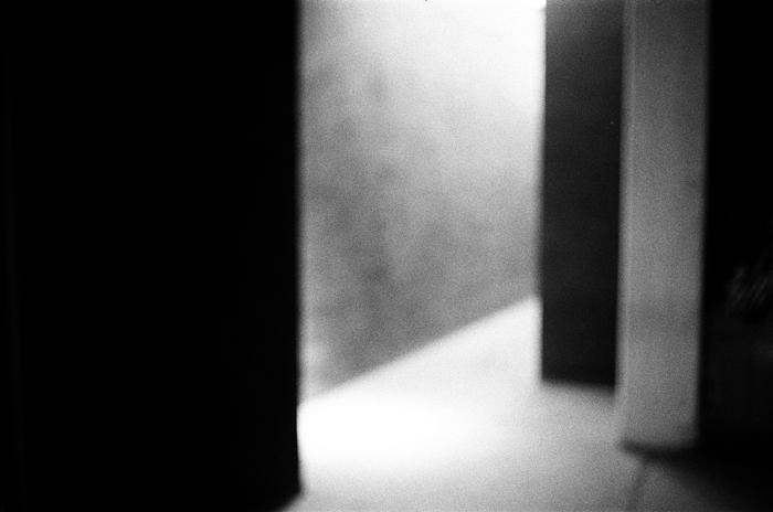 美術館的門廊 廣州當代藝術中心 2015年春  28 x 35.5 厘米/ 51 x 61 厘米