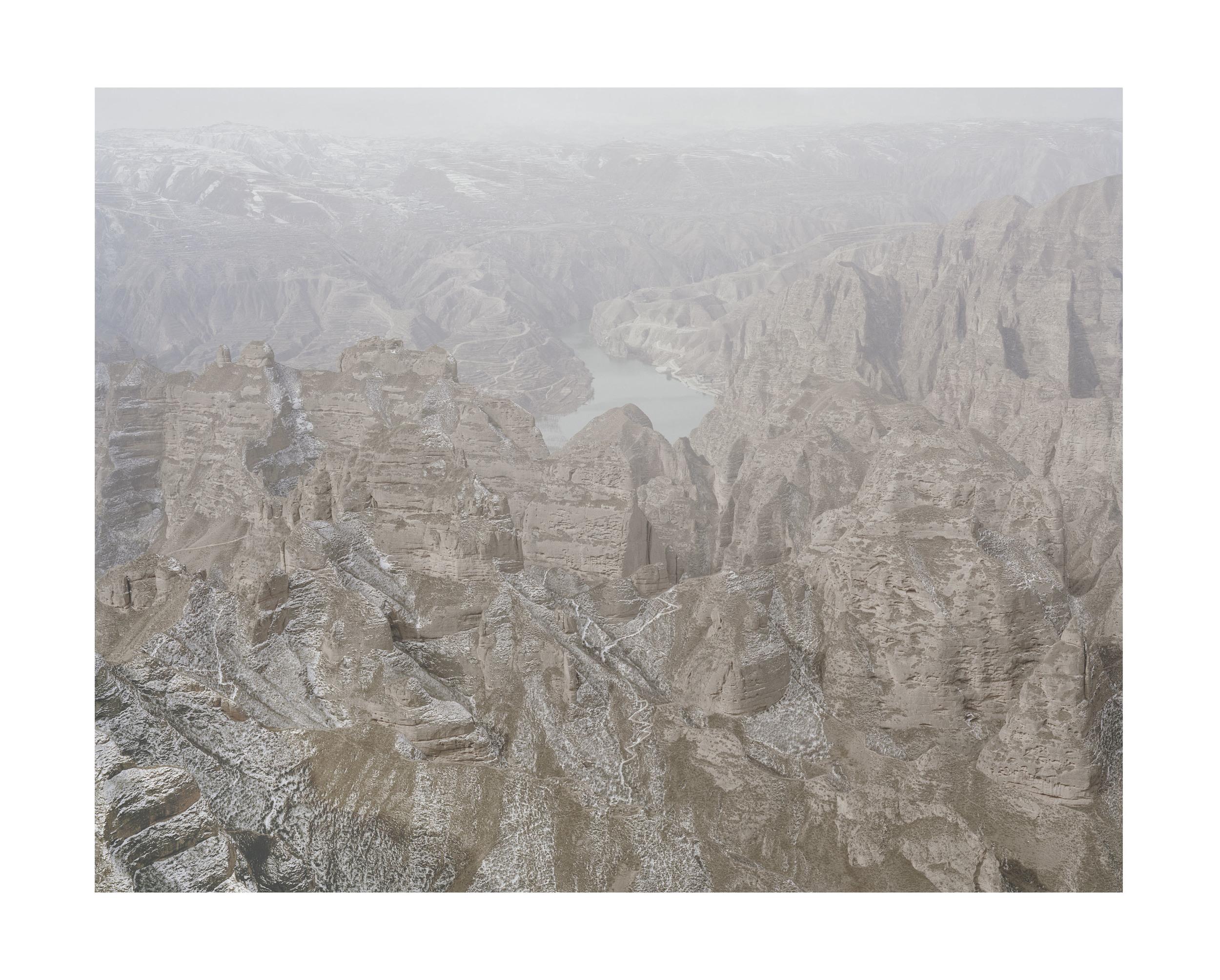 山中的黃河, 甘肅, 2011       100 x 120 厘米/ 112x 138 厘米/ 140 x 168 厘米
