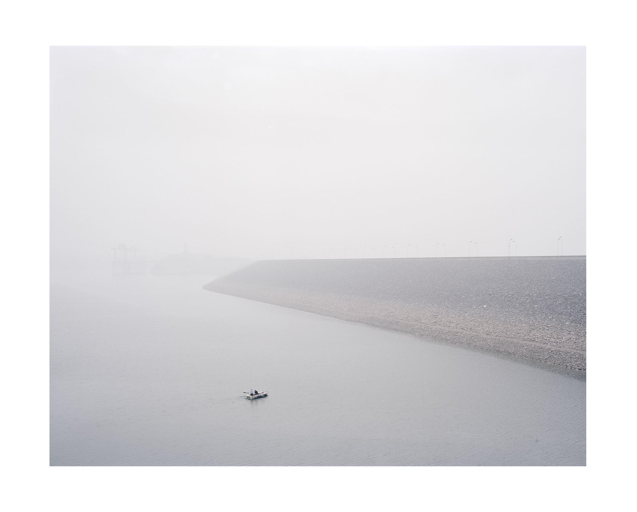 小浪底水壩, 河南, 2011       100 x 120 厘米/ 112x 138 厘米/ 140 x 168 厘米