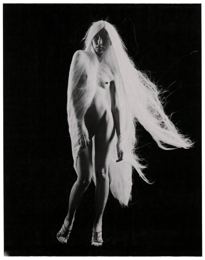 白髮魔女 #4, 2007    相片尺寸:142 x 108厘米/影像尺寸:124 x 96厘米
