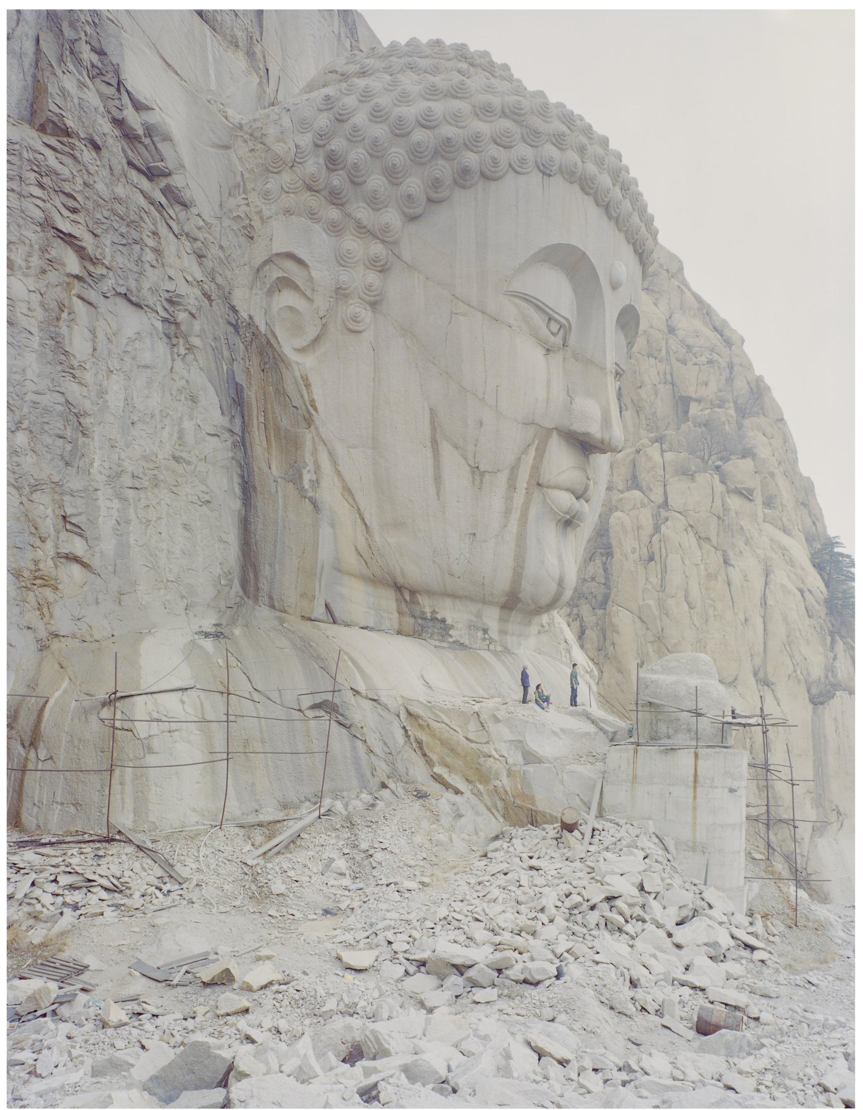 山中的佛像, 90 x 120厘米 / 108 x 134  厘米  / 135 x 167  厘米