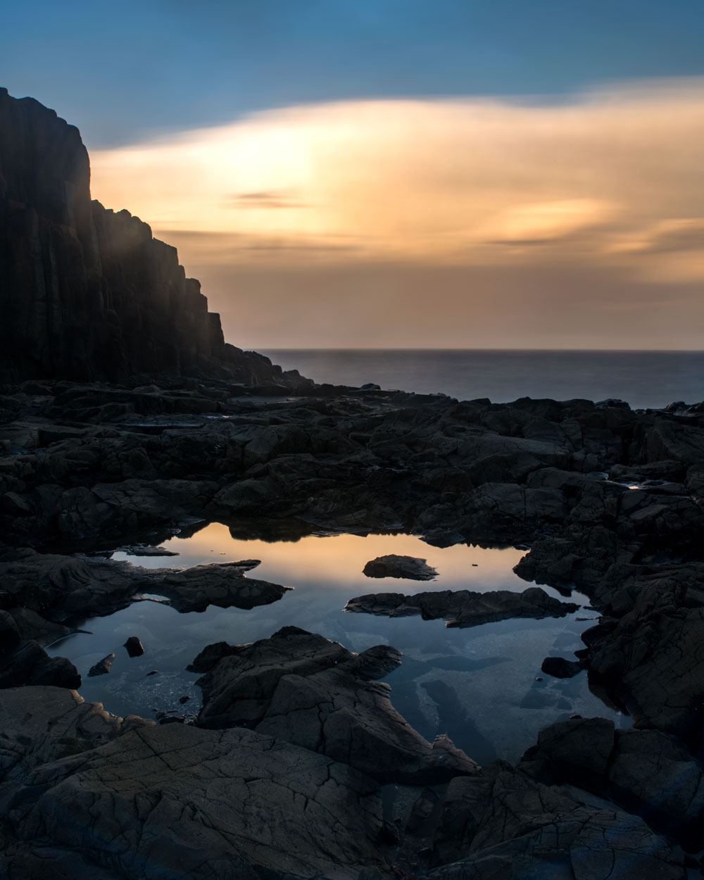 The eastern sky catches the last rays of sunlight at Bombo Quarry, NSW