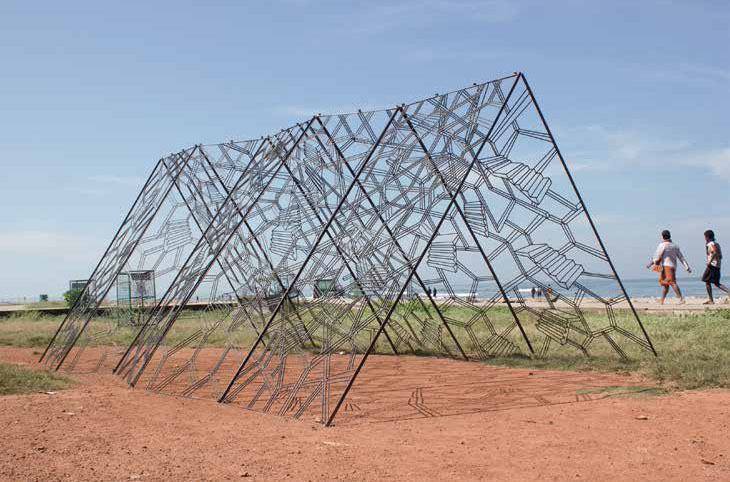 A Home with a View, 2014. Welded construction rebar, 350.5 × 685.6 × 289.5 cm. Courtesy of the artist, Experimenter, Kolkata (IN) and Sonaparanta Goa Center for Arts, Panaji (IN)