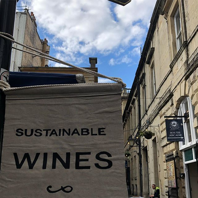 Outside the v delicious @wokyko @stnicksmarket ......ready!! #sustainablewine  #naturalwine  #bagnums  #lowsulphites  Looking forward to the 'SWAP' !! @essexeating