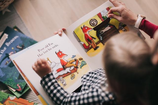 book-child-page-1741230.jpg