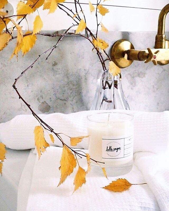 Morning routine ~ Our Indian Summer with it's scent of yummy vanilla & coconut 🌴 ~ 100% hand-made in France #faitalamain #scentedcandle #indiansummer # #wayoflife #surfing #summervibes #inspiration #bellevague #beachlife #bellevaguecandles #wayofliving  #scentedcandles #handmade #hossegor #handmadefrance #craft #craftdesign #shoplocal #craft #crafts #handmadeinfrance #bougie #vegan #bougieparfumee #hossegor #decoration #madeinfrance #scandinaviandesign #scandinavianstyle