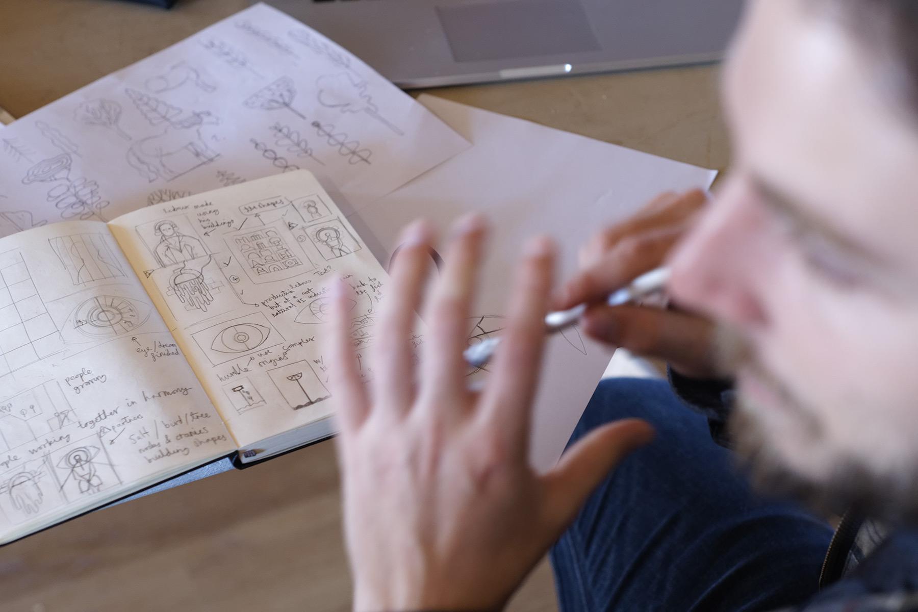 MaisonTangible-Manufacture-Images-Objets-Graphiques-Besancon-Paris-Residence-Owen-Davey-Saline-Arc-et-Senans-Interview-02.jpg