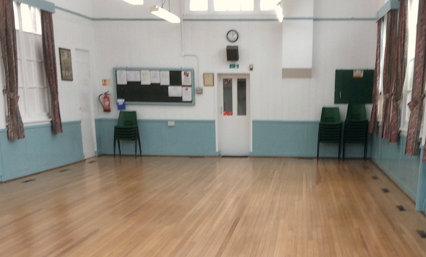 Click on the image above to view more photos of Avenue Hall.   Avenue Hall was extensively refurbished in 2015 with help from the Big Lottery Fund.
