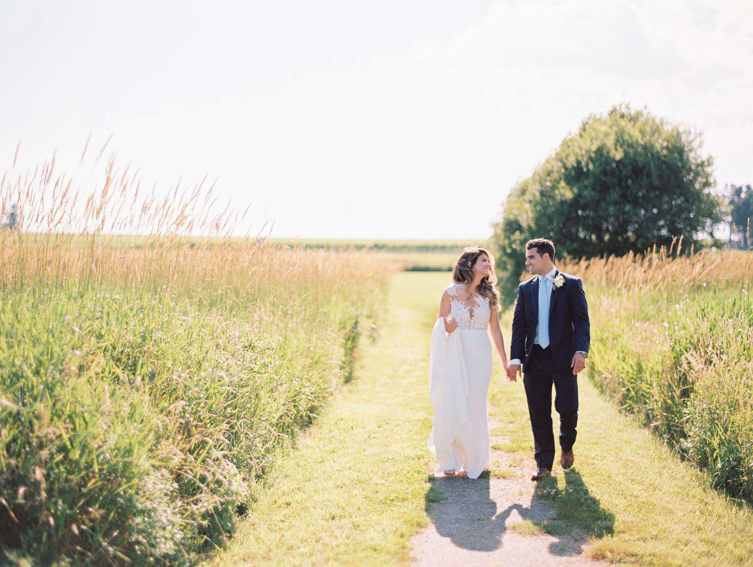 Newburyport-vineyard-wedding-18.jpg