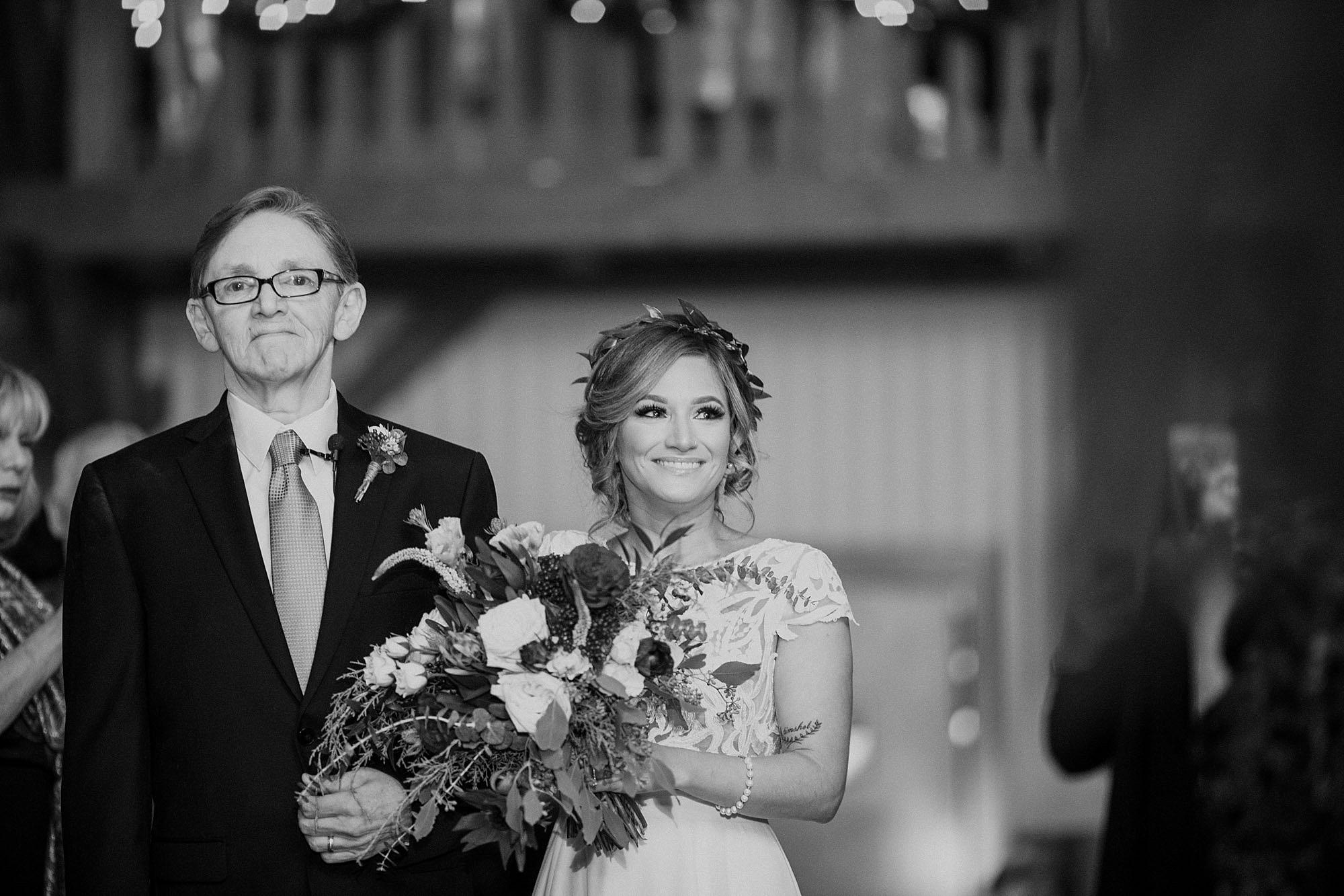 Tweaksbury-country-clup-wedding-40.jpg