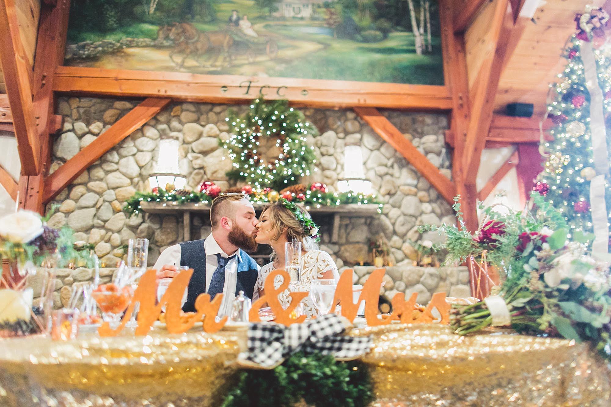 Tweaksbury-country-clup-wedding-79.jpg
