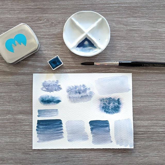 """This week I received the limited edition """"Hydrangea"""" by the talented @wanderlustwc. This morning I've finally been able to try it out. This shade is amazing, as it looks like 2 colours in one. So, it's perfect for practicing washes! 😍 😍 Thanks so much @wanderlustwc, as always, I'm in love with your work!!"""
